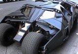 小伙开炫酷蝙蝠车上路,路人见了一脸兴奋以为自己也在演电影