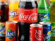 疯狂的可乐公司业绩下滑严重,注重健康的人们开始摒弃碳酸饮料