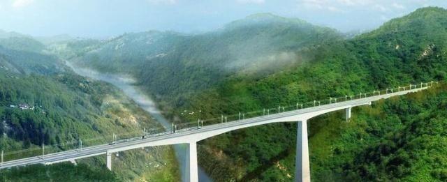 贵州遵义,这座铁路大桥,长虽只有429米,却让人称赞!