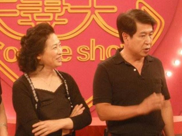 原来他们是一对明星夫妻,老婆是妈妈专业户,老公演琼瑶剧成名
