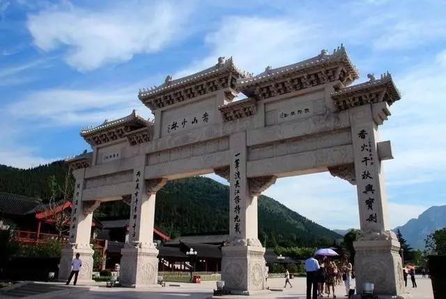 个aaaa级旅游风景区,一首小诗道出十三个旅游景点: 龙门石窟少林寺
