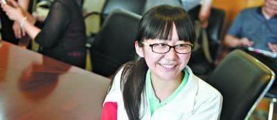 """她,高中就读普通班,721分成高考状元,是学生""""逆袭""""的榜样"""