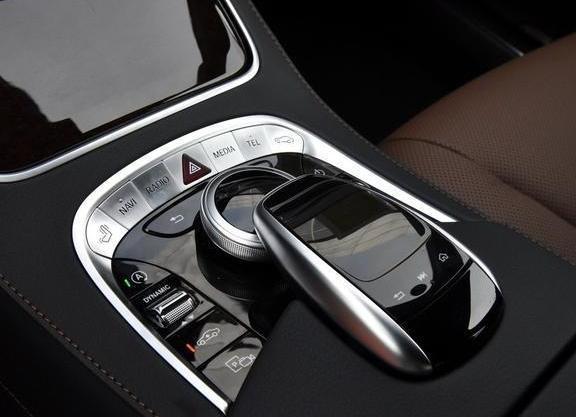 汽车 正文  起步技巧:自动挡起步时,要注意汽车发动前必须将选挡操纵