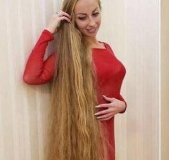 """乌克兰现实版""""长发公主"""",二十八年不曾剪发,经常被头发绊倒"""