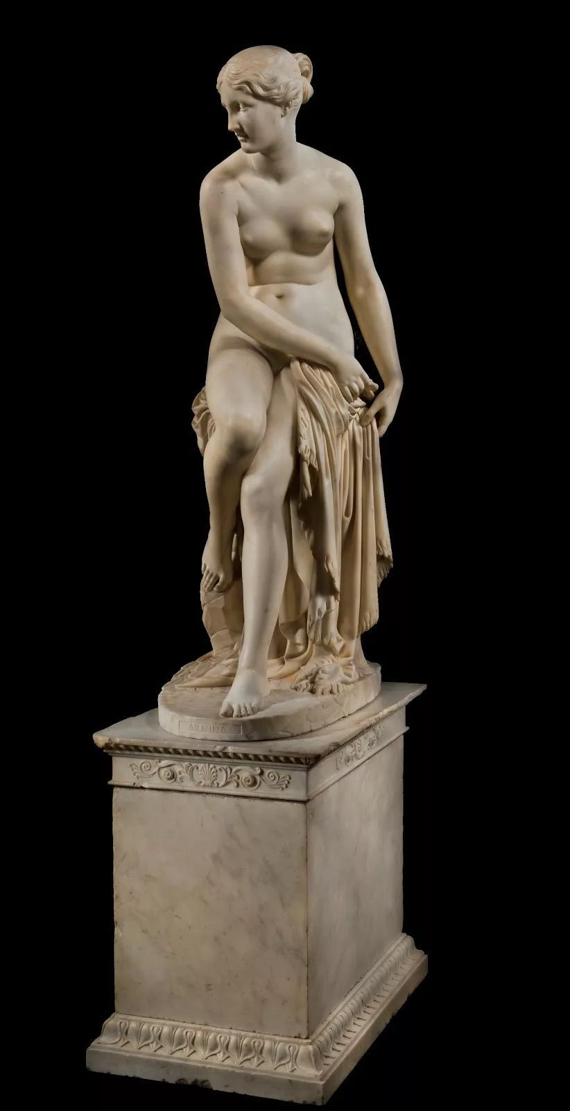 意大利的雕塑家 Lorenzo Bartolin