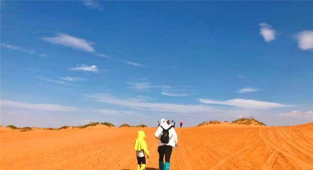 在沙漠旅游的时候,迷路为何不能走直线?驴友:直线走不出沙漠