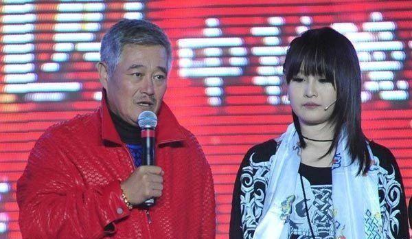 <b>要出道?赵本山儿子与妹妹一起录节目,近距离接触美女非常绅士</b>