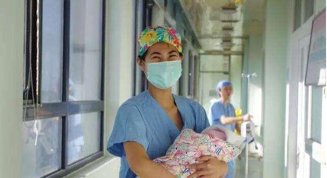 """出生15天的""""女儿""""竟变成了儿子,父亲无法接受,忍痛伤害孩子"""