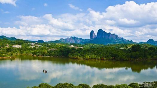 包括4a级景区桂平西山,3a级景区龙潭国家森林公园,大藤峡以及白石山等