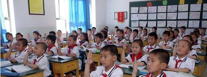 小学生作文写为何上课故意捣蛋,家长和老师看到后,都陷入了沉思
