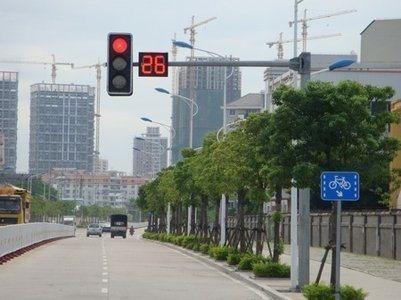 红灯可以右转,为什么还是被扣分了?很多人都不明白