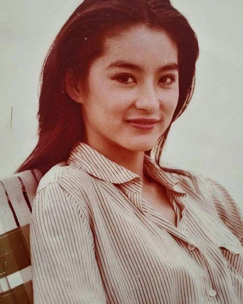 香港80年代最美的男人之一林青霞旧照女星库美女集锦图片