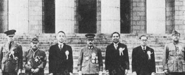 72年前老蒋做了一个决定七十四军工兵营长接到一个特殊任务