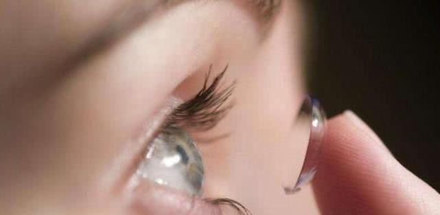 孕妇能带隐形眼镜吗?孕期多吃这6类食物,胎儿视力好!