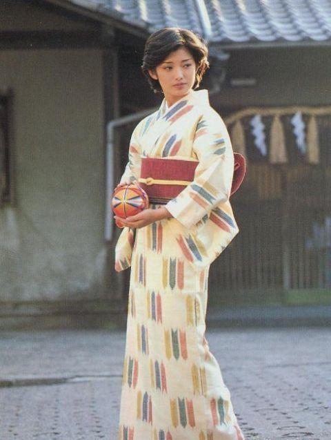16张日本山口百惠年轻照 张张清纯漂亮迷人,你有没有被惊艳到呢图片