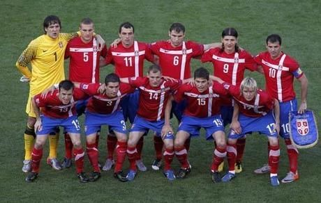 足球队更名为塞尔维亚国家队,政治的逐渐平稳,让这支古老的欧洲劲旅图片