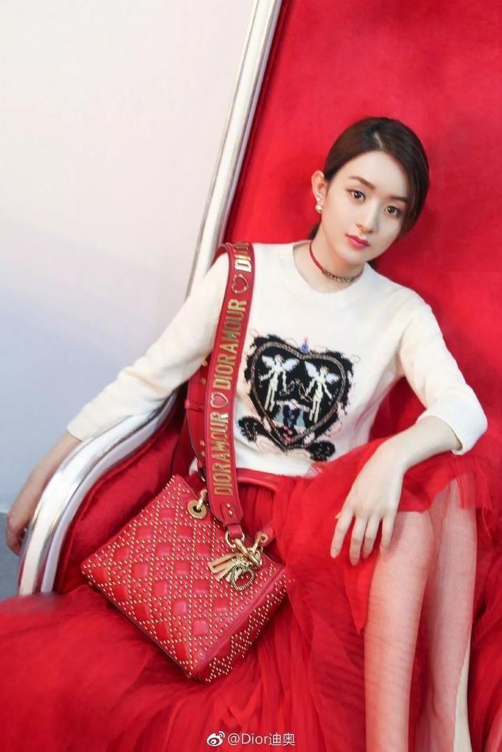 赵丽颖加入Dior大家庭杨颖发文欢迎,却被网友