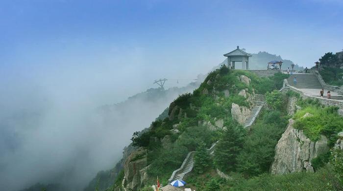 """中国""""天下第一山""""古人视为直通帝座的天堂, 成为百姓崇拜的神山"""