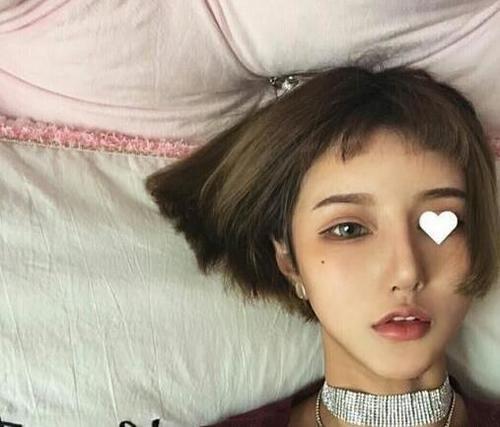 2017秋冬季气质流行短发发型女生成发型女生斜刘海庞克图片