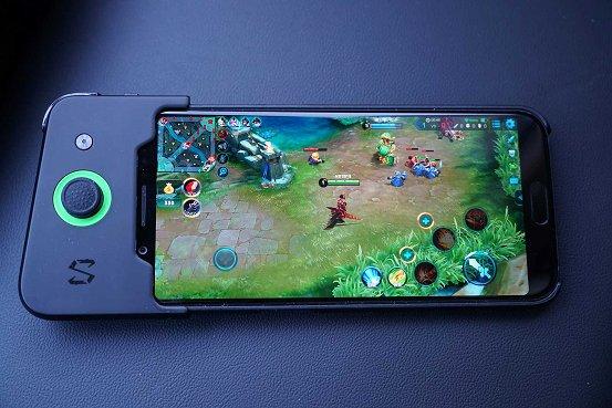 最新手机游戏资讯_更纯粹的游戏基因 黑鲨手机抢先测试