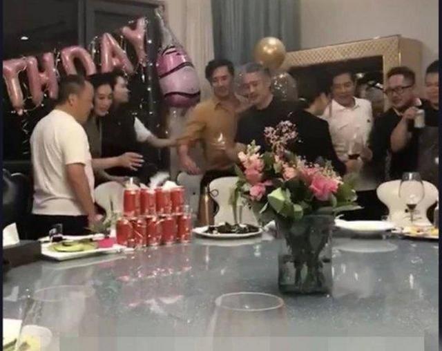 吴秀波曾志伟饭局 豪饮不断