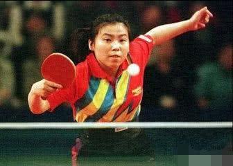 """""""乒乓女皇""""邓亚萍在历史上输给过外国选手多少次?看怎么评价她的"""