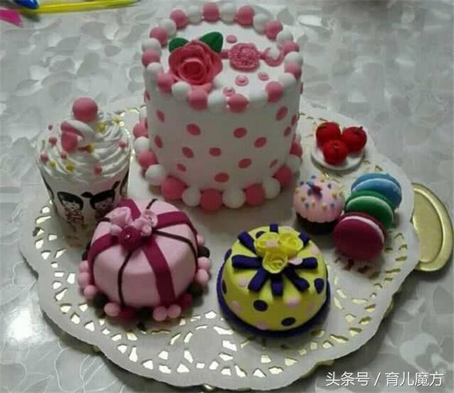 1,一位妈妈给孩子做的幼儿园手工作业:用橡皮泥做的蛋糕.