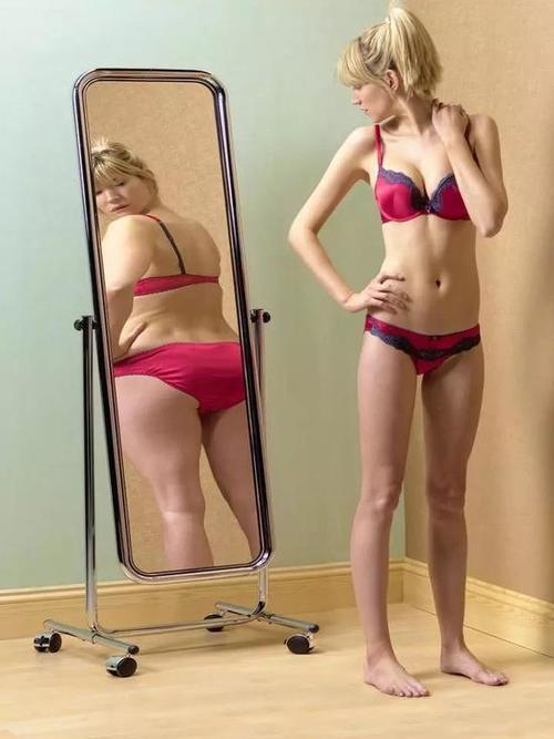 哭惨了!17岁姑娘节食减肥,一个月内反而重了30斤……