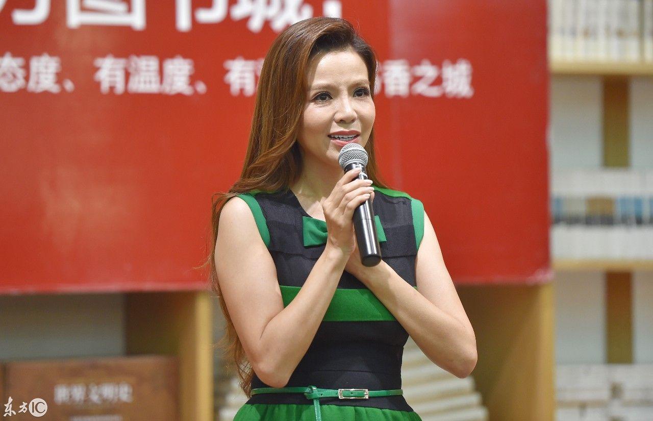 央视著名主持朱迅新作,《阿迅》来沈阳北方图书城文化新谷店签售