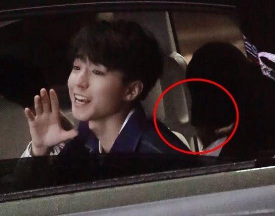 王俊凯开车录快本,副v女生却坐个女生,看清正脸脖子男生女生闻图片