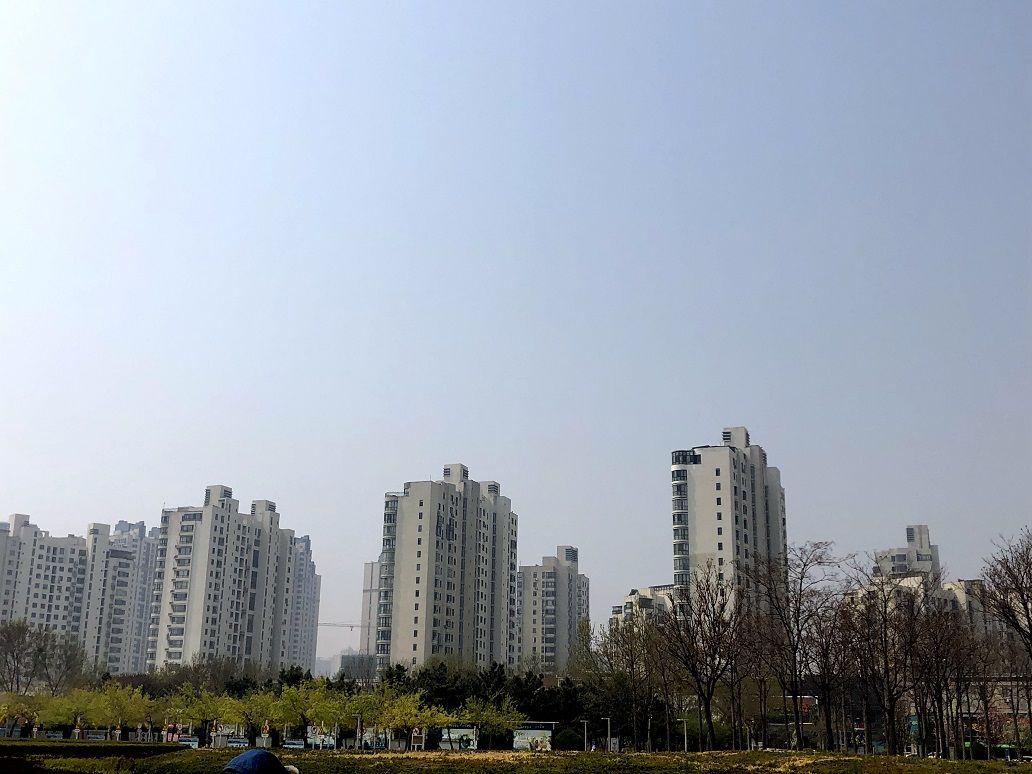 杭州14新房被95后买走 几乎都是父母出钱资助子女买房