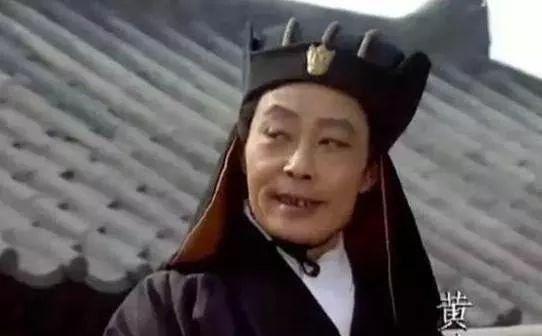 刘备的儿子身边有奸臣,他身边的奸臣是谁,奸臣当道还是昏君误国
