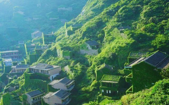 浙江有个的 小台湾 :和长城齐名,几百栋 别墅 只