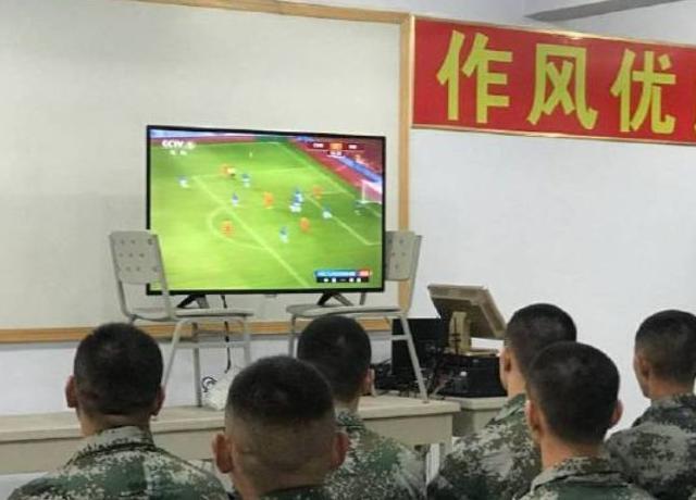[精彩]国足泰安军训分8个班训练,时间或超40天,集体理发画面曝光