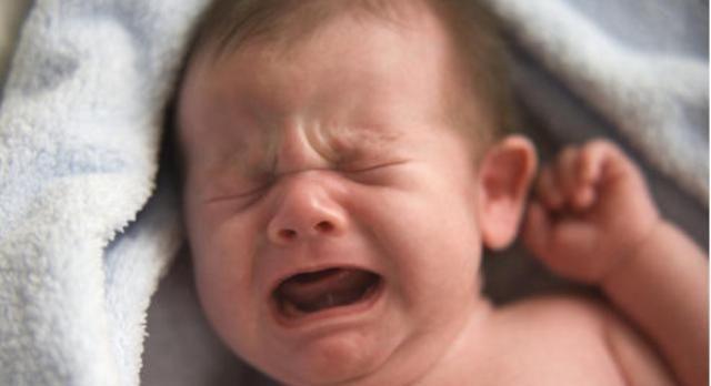 """新生儿手脚乱蹬,伴随这几个表现是发""""求救信号"""",父母别大意!"""