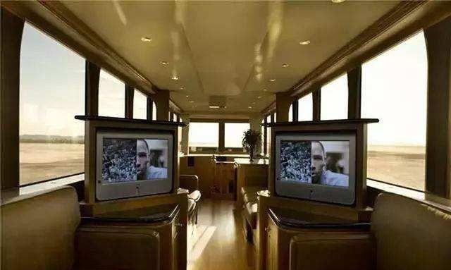 史上最大的房车,别墅超过100平方,空间170万,月租大厂路劲图片