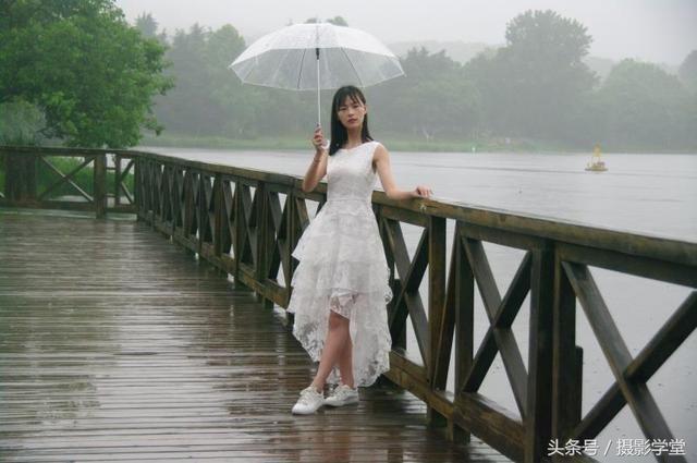 雨天人像摄影是个什么样子?索依摄影俱乐部评片会第20