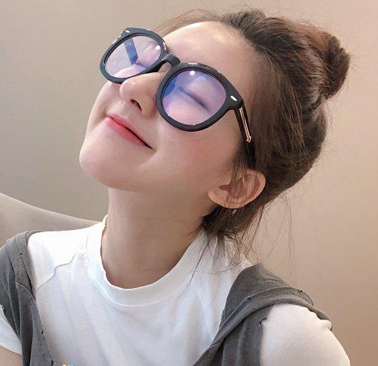 赵露思发微博吐槽自己胖,网友的评论亮了,脸大有镜头!
