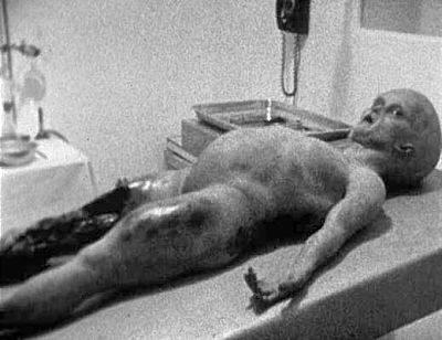 发现飞碟残骸和外星生物尸体的罗斯威尔事件究竟是否真实