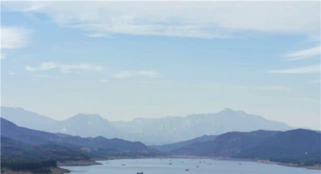 """<b>陕西妹子去河南旅游,见到这个景区懵圈了!我看到个""""假""""黄河?</b>"""
