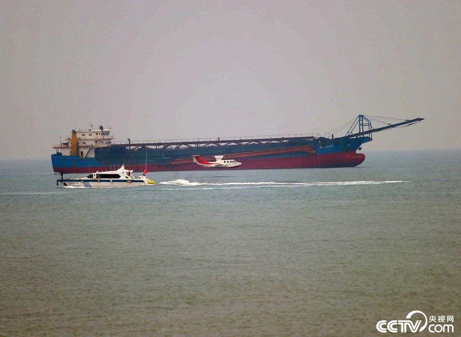 美叫嚣继续巡航南海称中国在永暑礁建通信中心