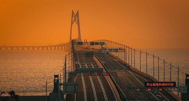 中国最特殊的大桥,所有的火车经过都必须鸣笛30秒?到底为何?