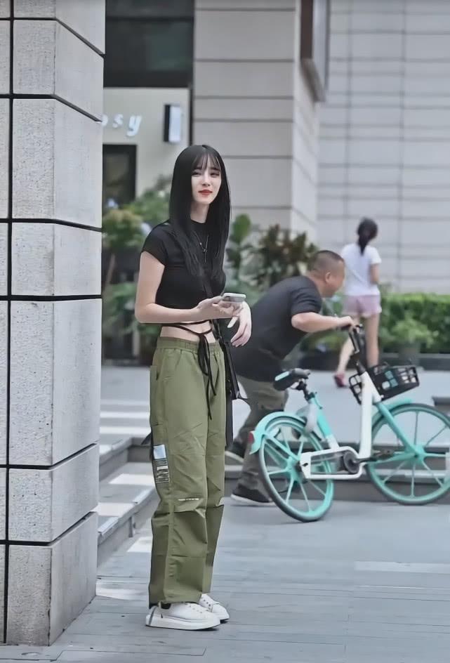 """街头突然崛起一款裤子: 叫""""抹茶裤"""", 显瘦潇洒插图(5)"""
