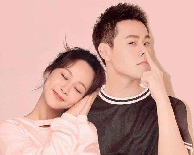 杨紫前男友秦俊杰又传绯闻,被拍到和同组女演员密会