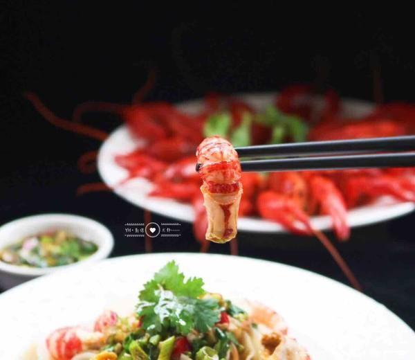 """小龙虾价格跳水35%!网友:""""宵夜霸主""""上线,可以敞开吃了"""