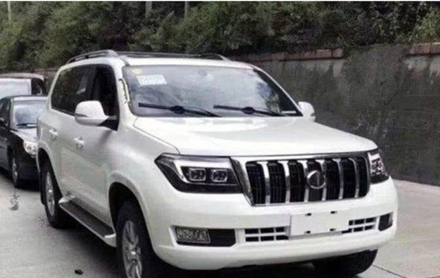 """国产又造出""""神车"""",与丰田陆巡相似度100%,配V8卖15万"""