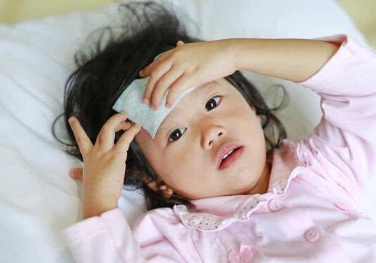 宝宝感冒发烧怎么办?妈妈护理、喂药要掌握的