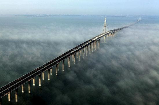 国内 正文  整个海湾大桥工程包括沧口,红岛和大沽河航道桥,海上非