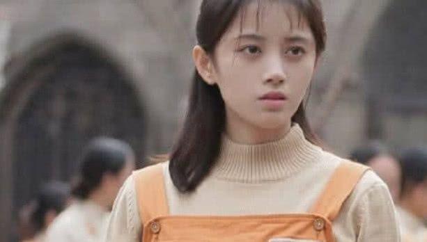 鞠婧祎首次挑战出演犯人,依旧仙气飘飘,荣升狱中霸姐