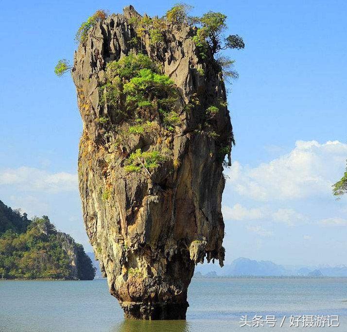 一处风景优美的地方,波光粼粼,被誉为泰国的小桂林